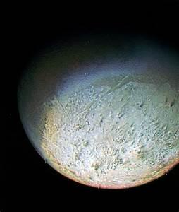 neptune-moon-triton-voyager-2.jpg?1310483081