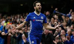 I JUST LOVE FABREGAS, HE'S ONE OF MY FAVOURITE PLAYERS ...