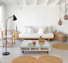 buntes sofa canapé en palette de bois idées faciles en 27 photos fascinantes pallets banquettes and