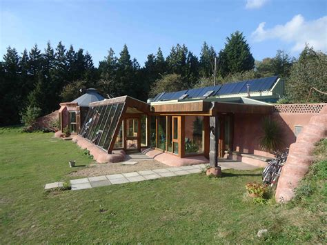 Earthships And Earthbag Construction (your Very Own Hobbit