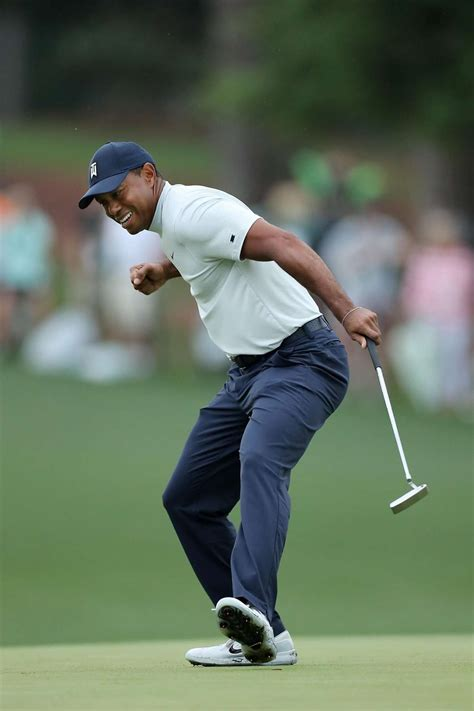 Tiger Woods hot on leaders' heels at Masters