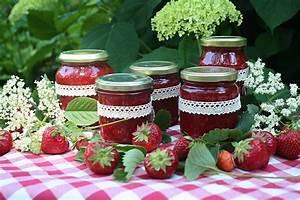 Erdbeermarmelade mit Holunderblüten Friedas Kitchen on my mind