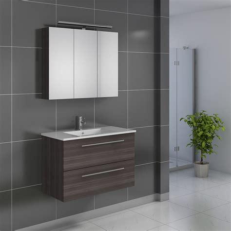 salle de bain zen beige et blanche