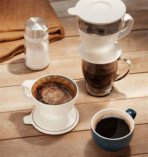 Pour remaining water evenly in slow, concentric circles. Oxo Pour Over Coffee Dripper - Cooking Gizmos