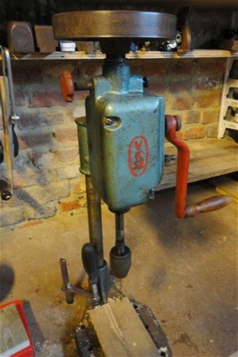 woodlooking hand cranked drill press