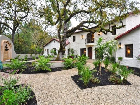 style courtyards style homes with courtyards tuscan style homes
