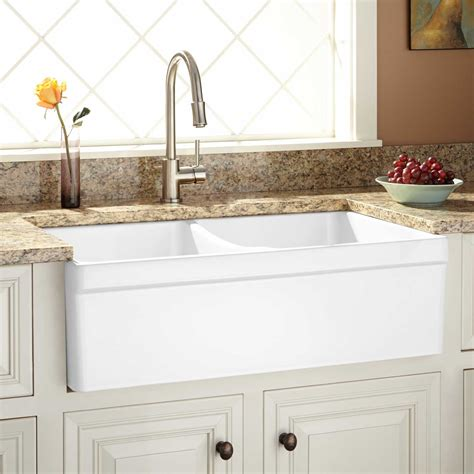 country farm kitchen sinks 33 quot fiammetta double bowl fireclay farmhouse sink belted