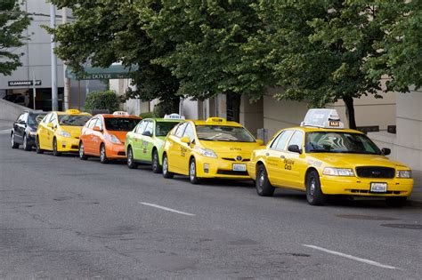 Seattle Taxis, Uber And Lyft