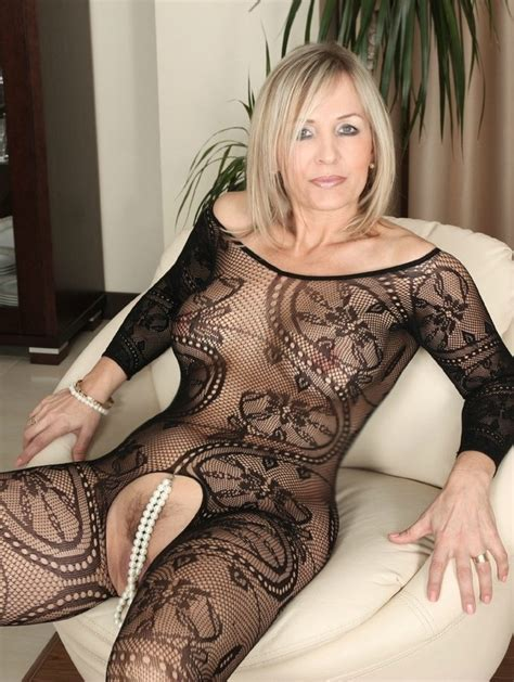 Who Is This Milf Please She Is Fantastic I Believe