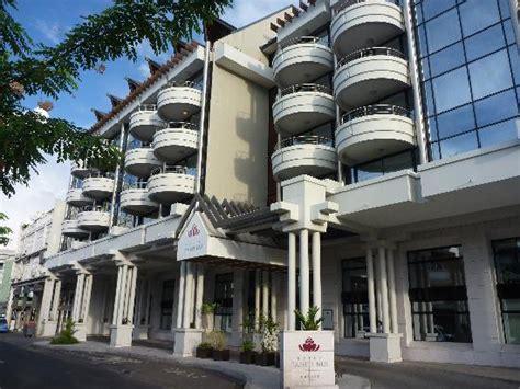 location chambre de bonne hotel entrance picture of hotel tahiti nui papeete tripadvisor