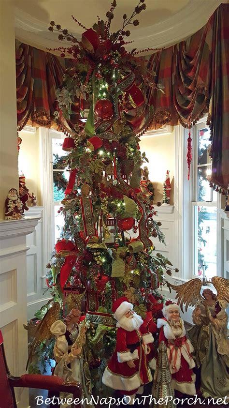 beautiful christmas table  lenox holiday whimsical