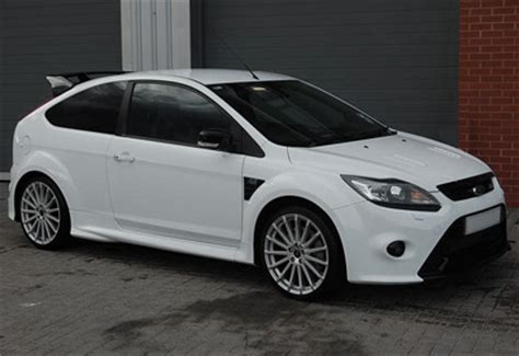is a ford focus a sports car ford focus rs mk2 sports cars