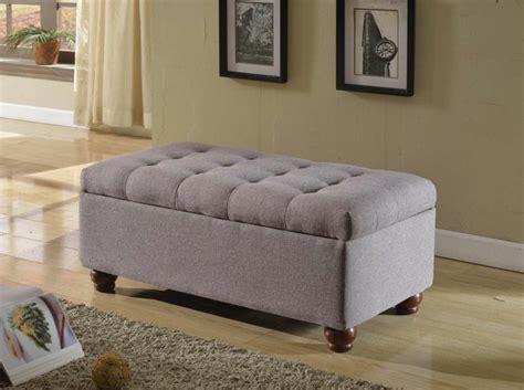 rangement de chambre a coucher bout de lit coffre un meuble de rangement astucieux