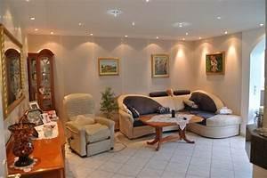 Led Beleuchtung Wohnzimmer : deckenbeleuchtung wohnzimmer ~ Buech-reservation.com Haus und Dekorationen
