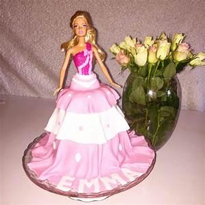 Torte Für Geburtstag : eine barbie torte f r das geburtstagskind herz und liebe dinge die das herz ber hren ~ Frokenaadalensverden.com Haus und Dekorationen