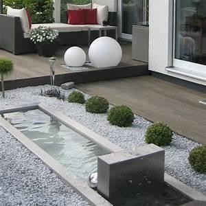 die 25 besten ideen zu gartenbrunnen auf pinterest With französischer balkon mit mini pool im garten bauen