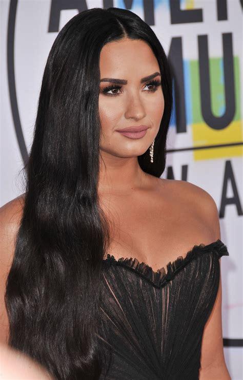 Demi Lovato – American Music Awards 2017 in Los Angeles ...