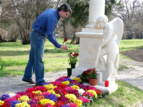 mozart s unmarked grave in mozart s footsteps uncommon