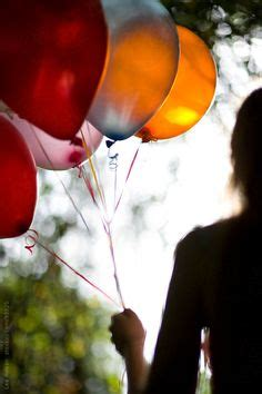 girl holding balloons images   balloons