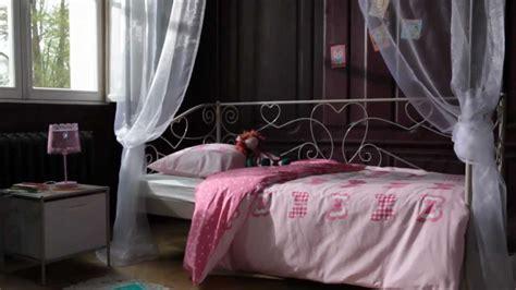 but chambre chambre enfant style charme banquette lit catalogue