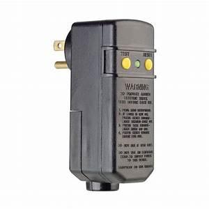 Leviton 15 Amp Compact Right Angle Plug