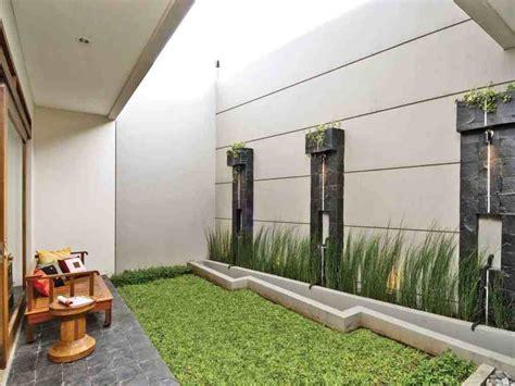 desain taman minimalis modern  belakang rumah gambar