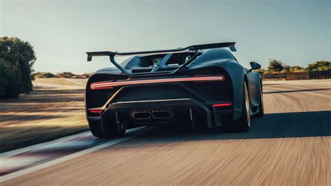 It consists of over 1,000,000 pieces in total, weighs in at about 3,300 pounds and took over 13,000 work hours to finish. Bugatti Chiron Pur Sport, Lego McLaren, Gordon Murray T.50s: Today's Car News   BMWFiend.com