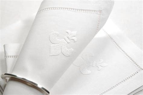 "Annes Table   Serviette de table ""fleur de lys"", blanc"
