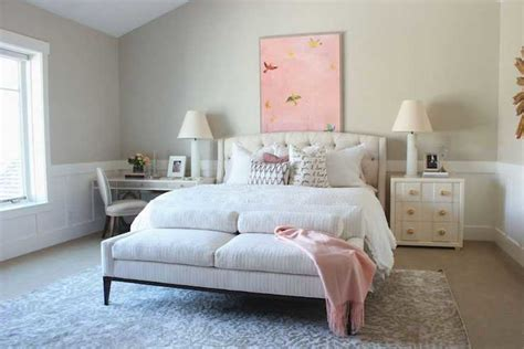 Mixing Modern And Traditional Bedroom. Modern Traditional