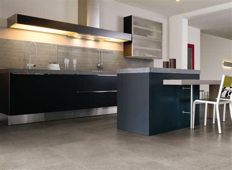 revetement pour meuble de cuisine conseils pour choisir un revêtement de sol de cuisine