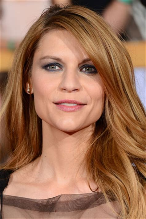 claire danes long messy hairstyle    sag awards