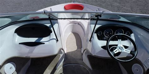 Pontoon Boat Rental Vernon Bc by Four Winns 18ft Bow Riders Sspeed Boat Rental Available