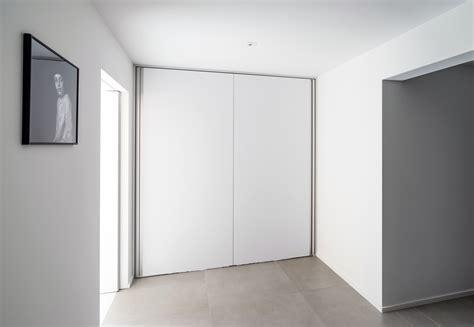Portes Pivotantes Avec Charnières Pivotantes Centrales Ou