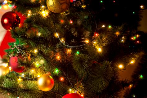 how much does it cost to power your christmas lights wired