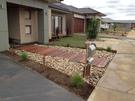 Beautiful Contemporary Front Yards-melton Merbau