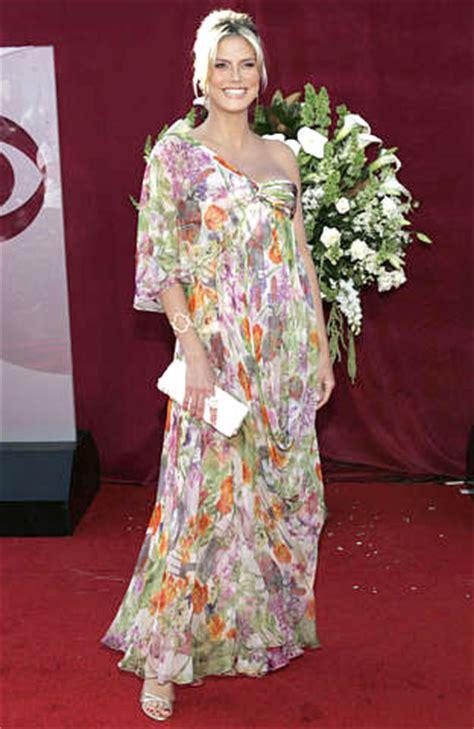 Emmy Awards Heidi Klum Poses The Annual