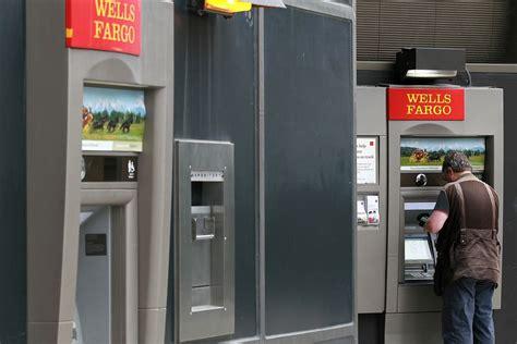 wells fargo    customers withdraw money