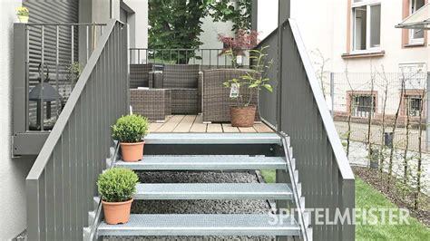 balkon mit treppe balkontreppe au 223 entreppe aus stahl vom treppen spezialist