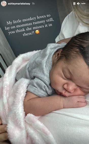 challenge champ ashley kelsey welcomes  child