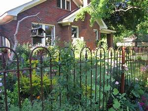 Cottage garden iron fence cottage garden pinterest for Cottage garden fence ideas