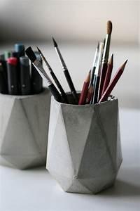 Basteln Mit Zement : stiftebecher vasen aus beton details ~ Frokenaadalensverden.com Haus und Dekorationen