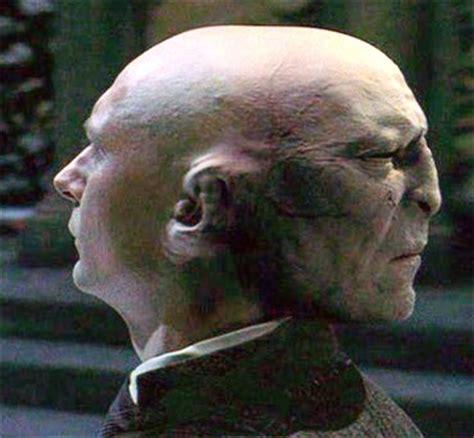 quirinus quirrell  voldemort  head magic skin