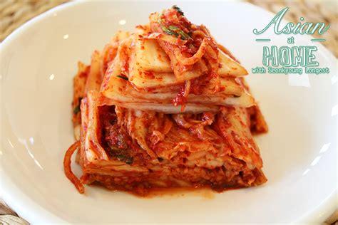 kimchi recipe real korean napa cabbage kimchi recipe video seonkyoung longest