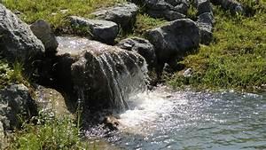 Steinmauer Mit Wasserfall : teich wasserfall elegant bachlauf teichbau anleitungen garten und bauen wasserfall am teich ~ Sanjose-hotels-ca.com Haus und Dekorationen