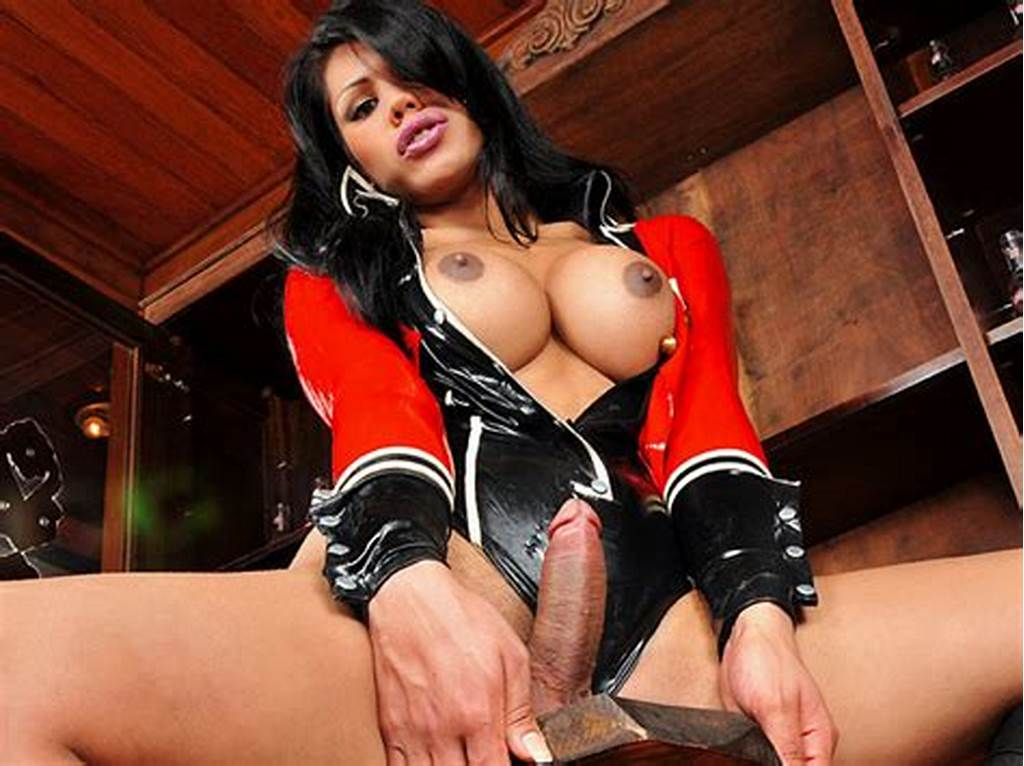 #Shemale #Cassia #Carvalho #Hot #In #Latex