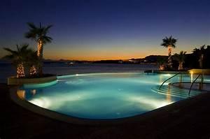 Infinity Pool Bauen : stunning balcony infinity pools inmyinterior terrace pool with decking clipgoo ~ Frokenaadalensverden.com Haus und Dekorationen