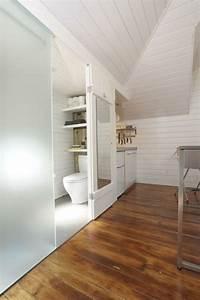 Glace Salle De Bain : la porte coulissante pour la salle de bain ~ Dailycaller-alerts.com Idées de Décoration
