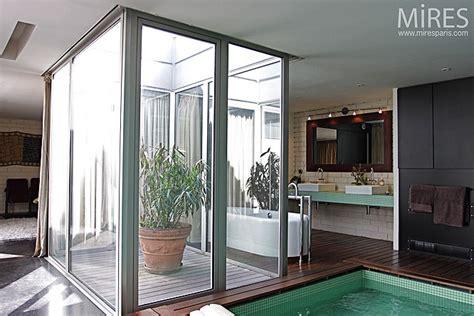 mini patio  salle deau  mires paris