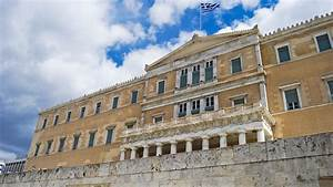 Greek elections: Centre-right New Democracy's slim lead ...