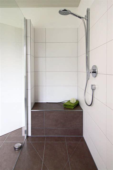 In Der Dusche by Begehbare Dusche Graue Fliesen In Betonoptik Geflieste